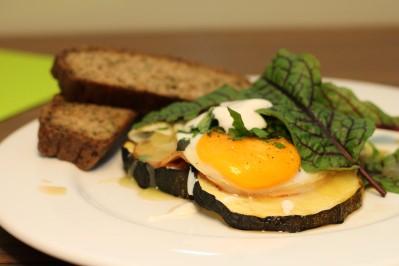 Ham and eggs s grilovanou cuketou